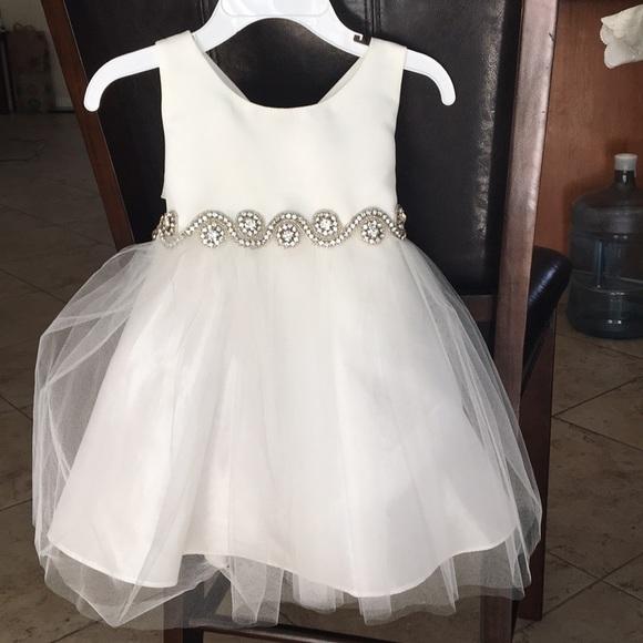 6fa451cd93 😍Petite Adele baby girl wedding dress flower girl.  M 5b57a3fc1b32941c4fdd66e1